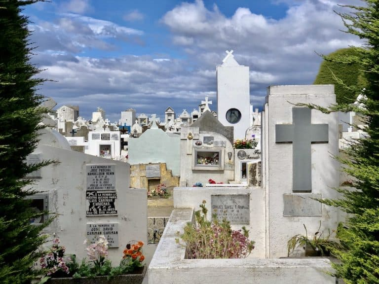 rouw, rauw, ruw: begraafplaats Punta Arenas, Chili